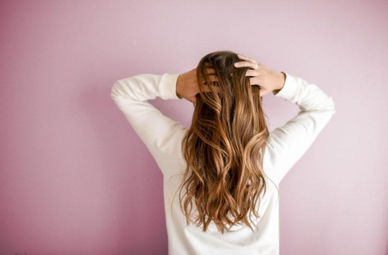 Chcete mít krásné vlasy  Jezte tyto potraviny  4139f19b95f